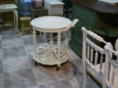 Móveis Reciclados: Criações da Ângela Alteração ou pintura de mobiliário criada no nosso atelier. #Vetusinnovo #Reciclagem #Mobiliário #Antiguidades #Chalkpaint #Móveisreciclados #Furniture #Paintfurniture #Autentíco #Recycling #Antiques