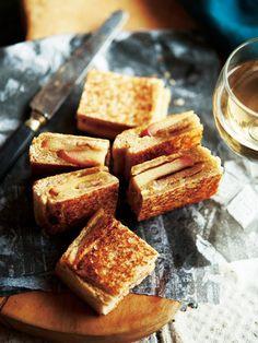 Recipe : ポークソテー&りんごのホットサンド #レシピ #サンドイッチ