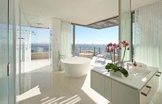 Modern pad in Los Angeles offering majestic skyline views