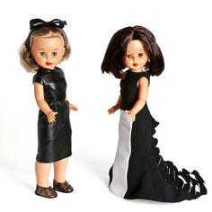 'Nancy se viste a la moda' en el Museo del Traje de Madrid: vestido de cuero de Roberto Torretta y vestido de fiesta de Juana Martín.