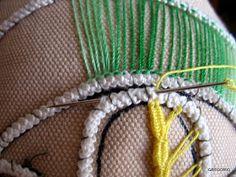 MACRAME' RUMENO - POINT LACE: RICAMO ad AGO