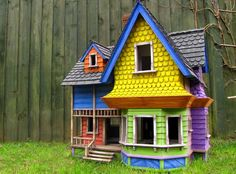 """The House from Pixar's """"UP""""… Studio Miniature Build by Julian Baker"""