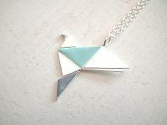 collier oiseau petit origami bleu argenté de Shlomit Ofir