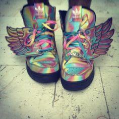 "32 Me gusta, 4 comentarios - lir (@lirpinhas) en Instagram: ""Jeremy scott & adidas originals"""