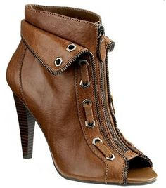 Fell in love. I Love My Shoes, Me Too Shoes, Sexy Heels, High Heels, Walk This Way, Fashion Beauty, Womens Fashion, Gianni Bini, Shoe Closet