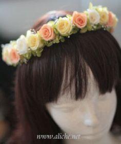 カラードレスにも似合うオレンジ系の花冠