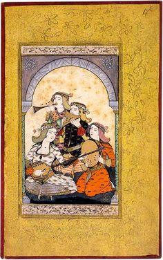 Musizierende Damen Vier Musikerinnen mit reich bestickten Gewändern und buntem Kopfputz spielen auf einer Langhalslaute, einer Rahmentrommel mit Schellen, einer Panflöte und einer kleinen Trompete.  Levni, osmanische Miniaturmalerei, Aquarell auf Papier mit Gold, Anfang 18. Jh