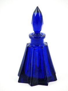 Cobalt Spear Bohemian Glass Perfume Bottle - The Czech Republic Cobalt Glass, Red Glass, Cobalt Blue, Glass Art, Lalique Perfume Bottle, Antique Perfume Bottles, Bohemia Glass, Blue Perfume, Colored Vases
