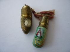 2 VINTAGE EDWARDIAN THIMBLE NEEDLE CASE SEWING COLLECTABLE