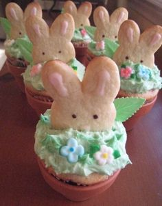 Peeking Easter Bunny Cookie and Cupcakes