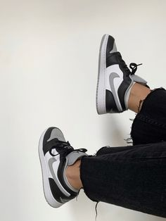 Dr Shoes, Cute Nike Shoes, Swag Shoes, Nike Air Shoes, Hype Shoes, Me Too Shoes, Shoes Sneakers, Jordan Sneakers, Jordan Shoes Girls