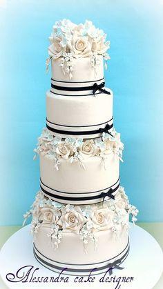 wedding cake by Alessandra Cake Designer, via #Wedding Cake| http://special-wedding-cake-for-you.flappyhouse.com