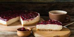 Η πιο απλή, αλλά λαχταριστή κρέμα cheesecake, σε μια συνταγή με επικάλυψη απολαυστικής σάλτσας με ολόκληρα βύσσινα.   GASTRONOMIE   iefimerida.gr   cheesecake, τυρί κρέμα, κρέμα γάλακτος, συνταγή, γλυκό Bake My Cake, Mini Frittata, Piece Of Cakes, Cheesecakes, Sweet Recipes, Baking Recipes, Food To Make, Sweet Tooth, Bakery