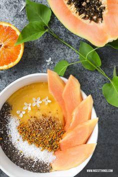 Exotische Smoothie Bowl mit Mango und Papaya Rezept
