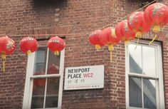Connected to Soho by some narrow paved alleys, Chinatown is perhaps the most colorful part of central London. Don't forget to taste the crispy duck on display in the windows of the restaurants
