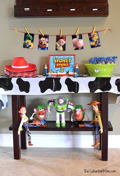 Free Toy Story Party Printables - The Suburban Mom - Toy Story Birthday Party Decorations – Free printables - Toy Story Party, Fête Toy Story, Toy Story Birthday Cake, Woody Birthday, Jessie Toy Story, Toy Story Theme, Toy Story Cakes, 3rd Birthday, Birthday Ideas