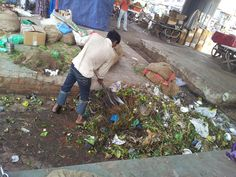 Weekly waste collection from the vegetable markets.