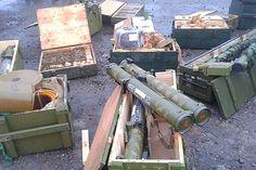 НГУ @vvmvsu 6.7.14 Декілька годин тому військовослужбовцями Нацгвардії на у цервкі у місті Слов`янську був виявлений арсенал зброї