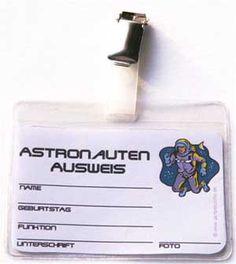 weltraum-kindergeburtstag-tipp-getränke-deko-astronautenausweis                                                                                                                                                                                 Mehr
