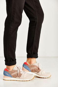 reebok-grey-multi-gl-6000-fleur-running-sneaker-gray-product-4-189629403-normal.jpeg