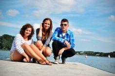 """Magda, Dorota, Artur: """"Jezioro w centrum miasta? Takie rzeczy tylko w Poznaniu! Prosto z centrum miała spacerkiem na Maltę! Nogi bolały, ale widoki ukoiły ból!"""" [fot.Magladena Gaździcka]"""