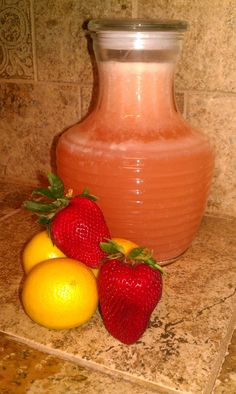 Have to try this: lacto-fermented strawberry lemonade :0)