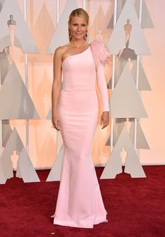 Gwyneth Paltrow arrives at the Oscars on Sunday, Feb. 22, 2015, at the Dolby Theatre in Los Angeles.