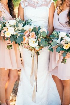 blush and white wedding #bouquet @weddingchicks