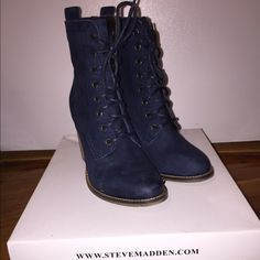 Steve Madden LAURENN bootie Navy nubuck Steve Madden bootie. Size 7. Worn once. MINT CONDITION !!! Steve Madden Shoes Ankle Boots & Booties