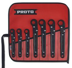 A flare nut wrench set is applicable in many homes. A good flare nut wrench set is not just something to fill up your tool cabinet. Hobby Tools, Diy Tools, Hand Tools, Stanley Products, Ratcheting Wrench Set, Open Type, Mechanic Tools, Steel