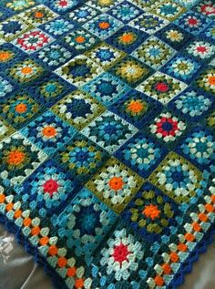 Transcendent Crochet a Solid Granny Square Ideas. Inconceivable Crochet a Solid Granny Square Ideas. Crochet Squares, Crochet Blanket Patterns, Crochet Granny, Crochet Motif, Crochet Designs, Crochet Yarn, Crochet Stitches, Crochet Cushions, Crochet Blocks