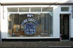 Voorkant shop van Aig's Blue Tattoo Blue Tattoo, Vans Shop, Home Appliances, Shopping, House Appliances, Appliances