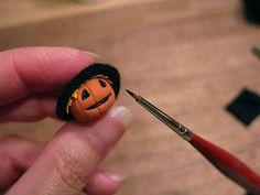 How to make a miniature scarecrow