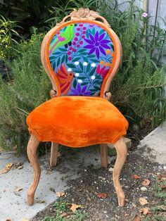 Unique Chair Design You Can Copy 11 furniture Funky Furniture, Classic Furniture, Shabby Chic Furniture, Painted Furniture, Plywood Furniture, Furniture Design, Furniture Projects, Cottage Furniture, Furniture Shopping