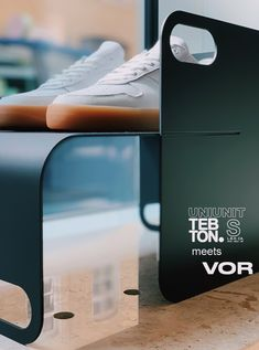 a come together in Munich TEBTON® meets @vor.shoes Visit both at Utzschneiderstraße 7 80469 München VOR Studio is open on Thursdays 16-19 Saturdays 12-18 and by appointment The UNIUNIT Small is a sophisticated #storage solution and a unique design piece for your #desk or on top of your drawer chest for example for smartphones or things that sometimes carelessly cause trouble on your desk or just to highlight something #beautiful like on a stage. Made in Berlin - TEBTON®