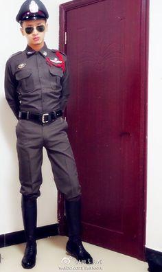 Cop Uniform, Cops, Asian Men, Canada Goose Jackets, Beautiful Men, Army, Winter Jackets, Men Boots, Military