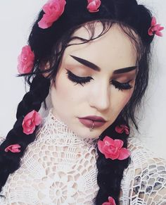 Bold makeup look by lou.von.bright