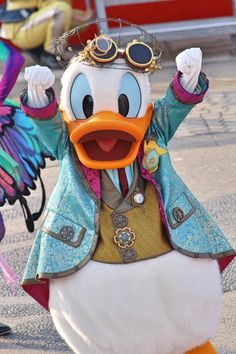 Walt Disney Co, Disney Duck, Punk Disney, Disney Land, Disney Dream, Disney Parks, Disney Pixar, Disney Characters Costumes, Disney World Characters