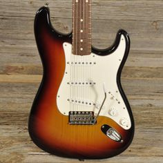 Fender Custom Shop Stratocaster Three Tone Sunburst 1998 (s262)
