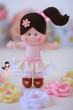 *FELT ART ~ Hey Girl! ~ embroidered felt craft