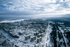 #Urbanismos, Imagen Aérea de Pripiat. La ciudad Fantasma de Chernóbil. Al fondo la central