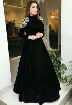 <img> Black tapeta silk embroidered partywear gown Source by - Fashion Vestidos, Fashion Dresses, Pakistani Dresses, Indian Dresses, Sabyasachi Gown, Anarkali Dress, Mode Abaya, Evening Dresses, Formal Dresses