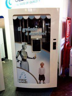 'ijs automaat'. Is dat de toekomst? Ik kan zeggen:' Niet bij Roberto!!!'. #ijs #gelato