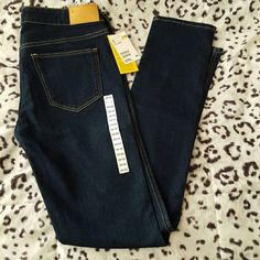 Skinny Jeans Low waist skinny jeans. Not my size. Never used. Perfect condition. Make me offers H&M Jeans Skinny