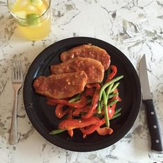 Easy bbq pork chops are quick to prepare when you are short on time, but want a homemade meal for dinner. Thin Pork Chops, Healthy Pork Chops, Boneless Pork Chops, Baked Pork Chops, Pork Chop Recipes, Meat Recipes, Spinach Recipes, Free Recipes, Bbq Pork
