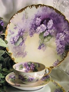 Purple and gold china tea cup, saucer, and plates Antique China, Vintage China, Vintage Teacups, Antique Dishes, Vintage Dishes, Shabby Vintage, Keramik Vase, Teapots And Cups, China Tea Cups