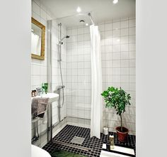 Black & white tiles in the bathroom.