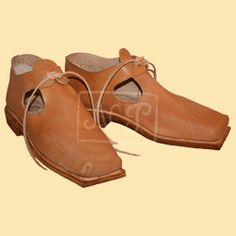Latchet shoesLatchet shoes  Century:17. centuryMaterial:Veg tanned leather 2mm, soling leather 6mm Note:Men tie shoes with open side, 1628 Vasa wreck, Vasamuseet, Stockholm                   Century:      17. century            Material:      Veg tanned leather 2mm, soling  leather 6mm       Note:      Men tie shoes with open side,  1628 Vasa wreck, Vasamuseet, Stockholm