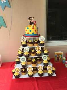 Curious George Cake and Cupcakes with toppers Curious George Cake and Cupcakes with toppers The post Curious George Cake and Cupcakes with toppers appeared first on Paris Disneyland Pictures. Curious George Cake Topper, Curious George Cupcakes, Curious George Party, Curious George Birthday, Boys First Birthday Party Ideas, Baby Boy 1st Birthday, 4th Birthday Parties, It's Your Birthday, Cake Shapes