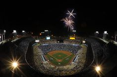 Friday Night Fireworks light the sky over Dodger Stadium Dodgers Baseball, Baseball Field, No Crying In Baseball, Dodger Blue, Dodger Stadium, Go Big Blue, Mlb Teams, Blue Bloods, Los Angeles Dodgers